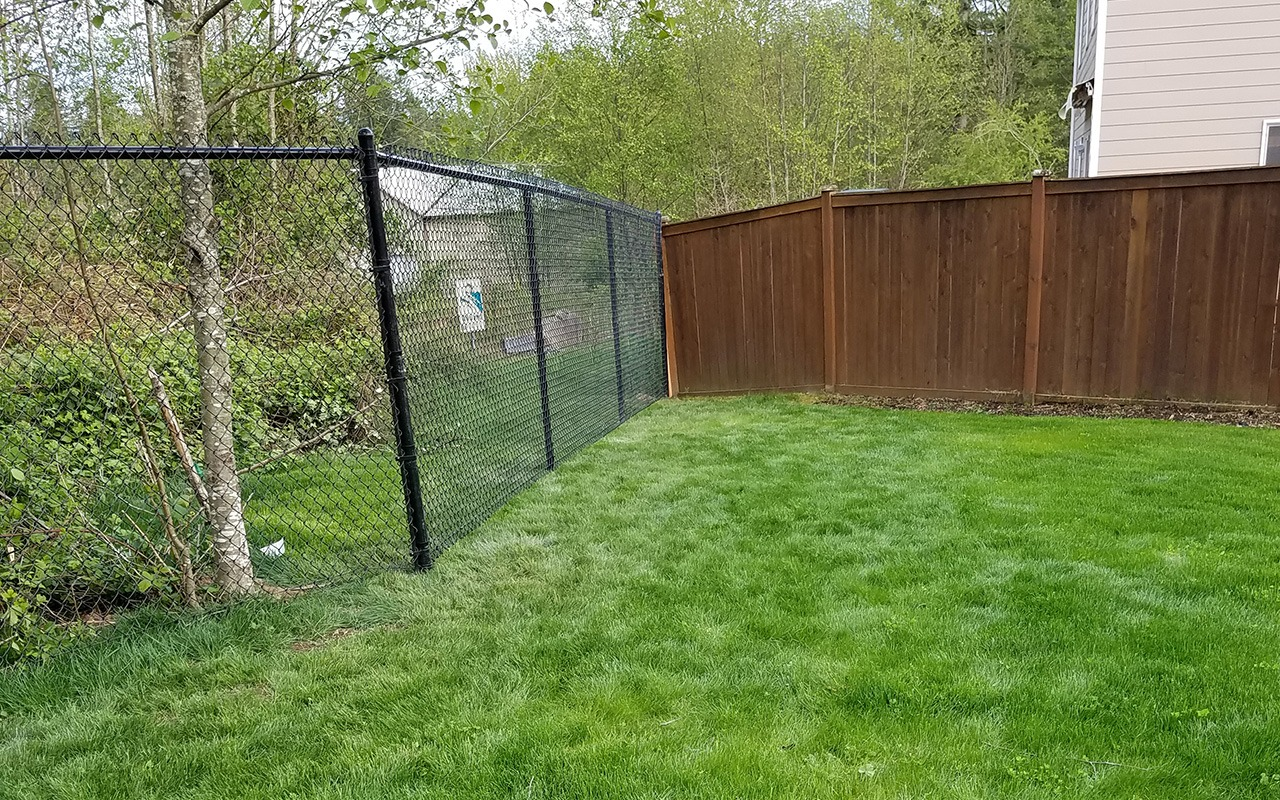 black-chainlink-fence1