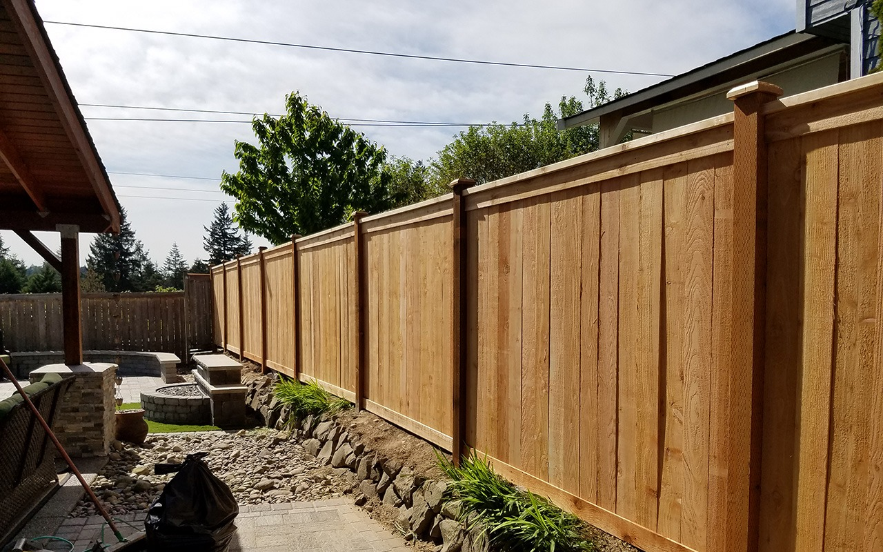 top-rail-capped-fence1