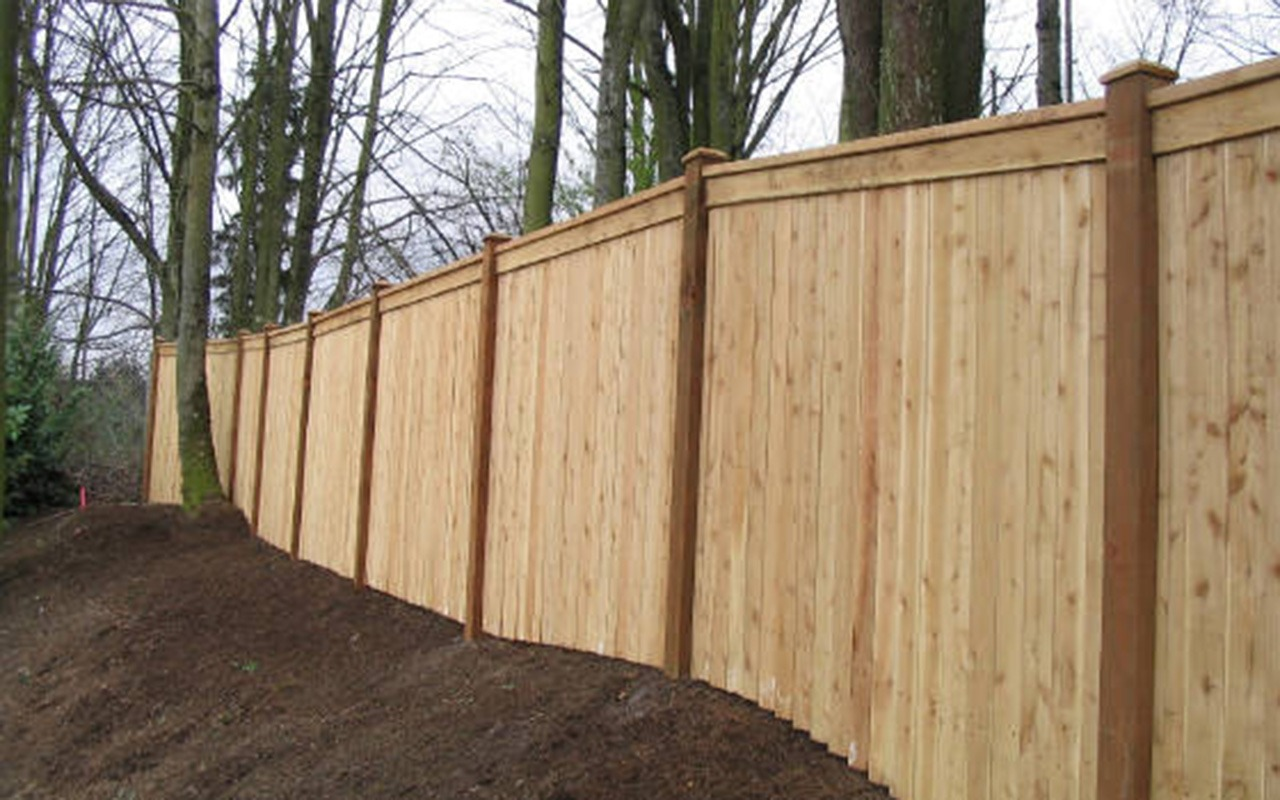 top-rail-capped-fence11