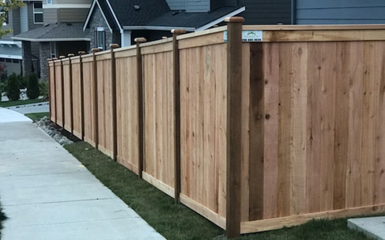 top-rail-capped-fence16