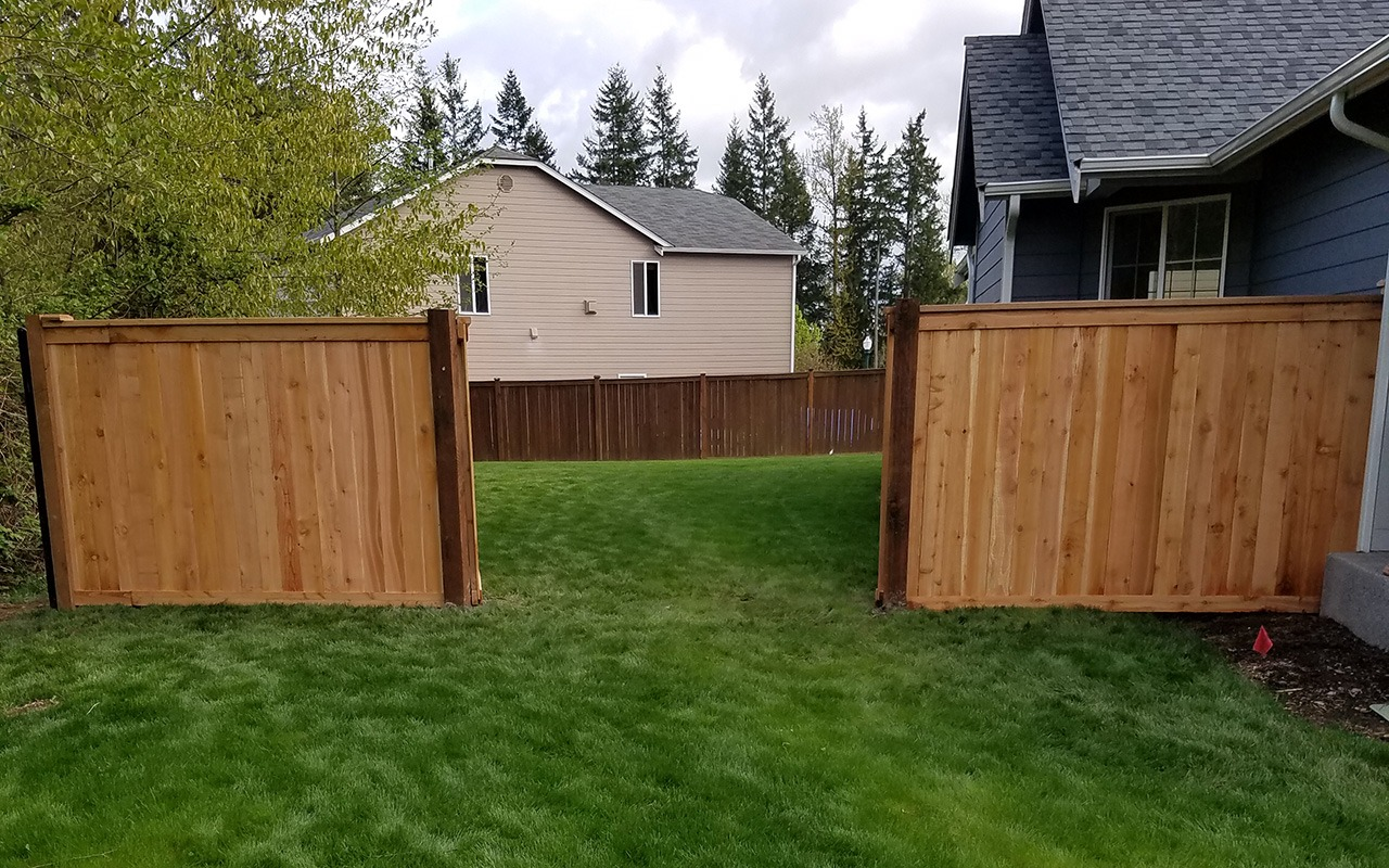 top-rail-capped-fence17