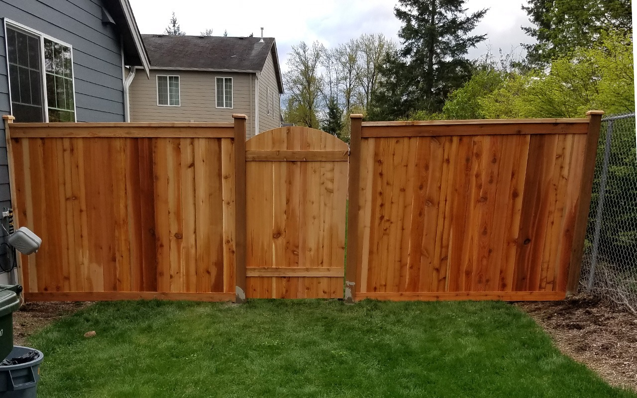 top-rail-capped-fence18