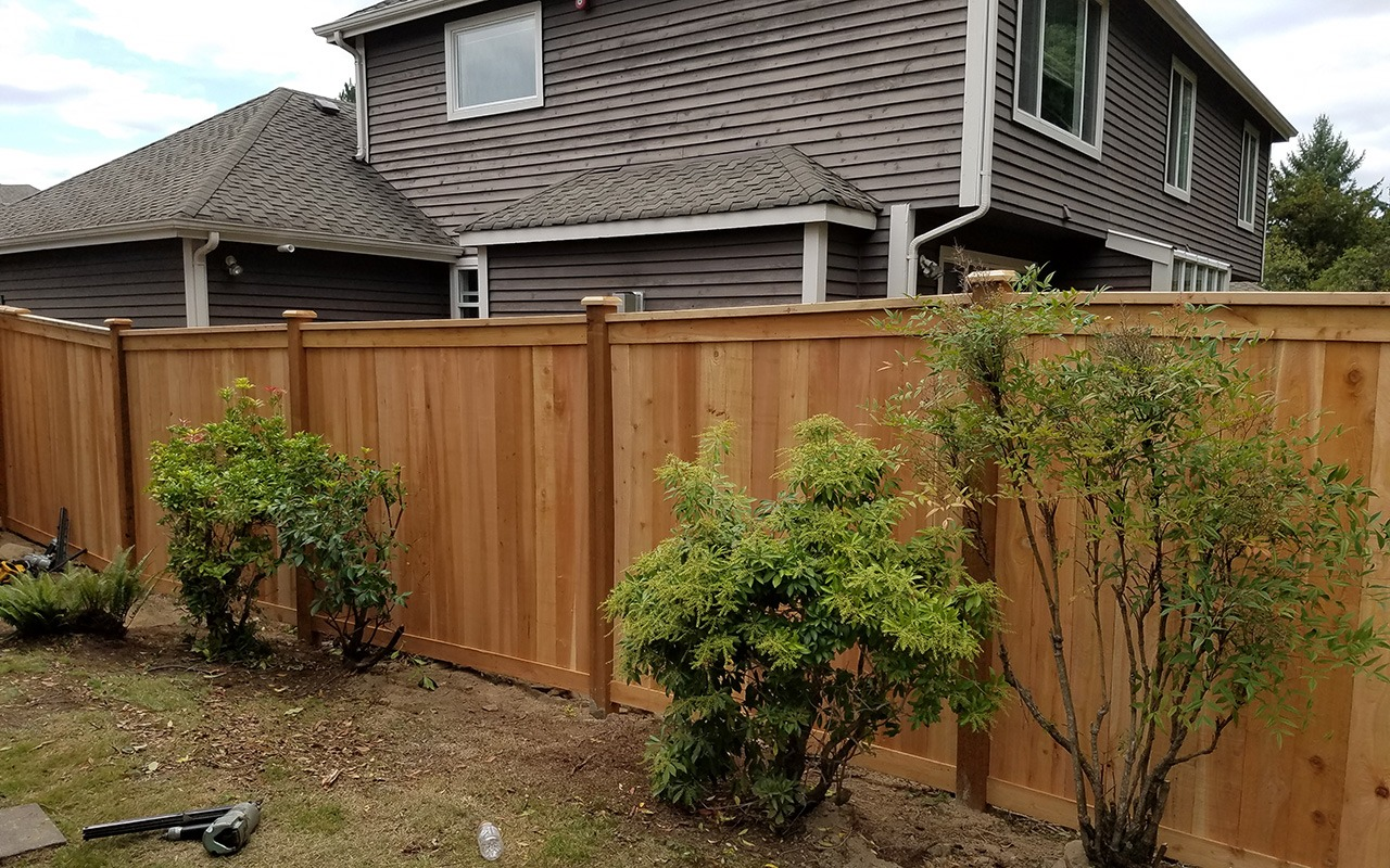 top-rail-capped-fence21