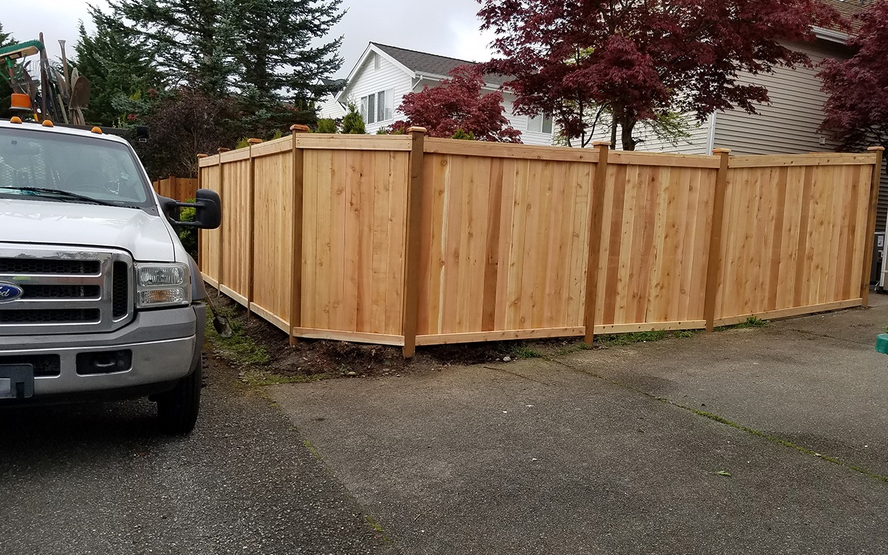 top-rail-capped-fence22