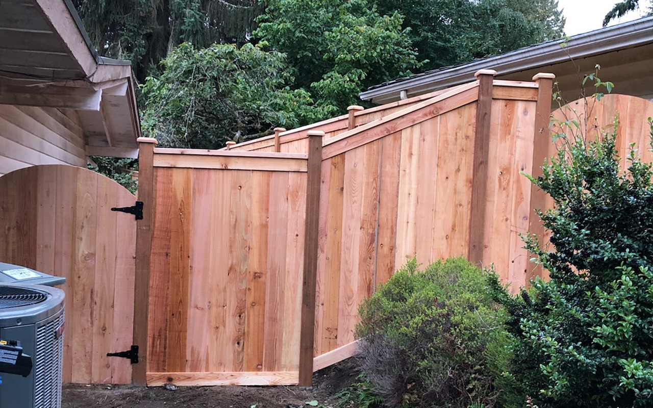 top-rail-capped-fence33