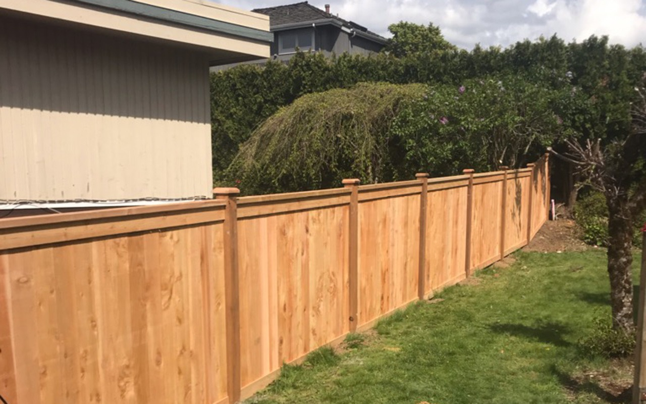 top-rail-capped-fence35